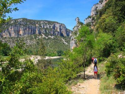 Randonnée pédestre dans les Gorges de l'Ardèche
